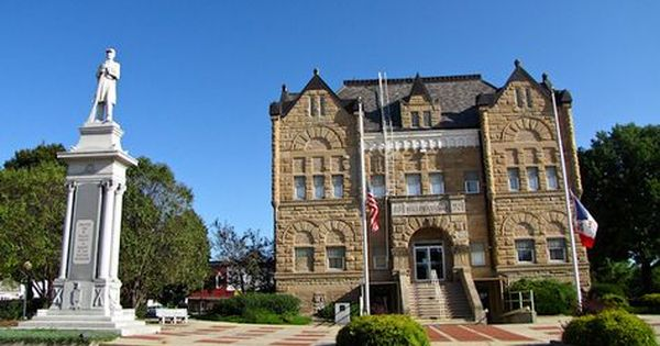 Shelby County Courthouse Harlan Iowa Courthouse Iowa Life Is An Adventure