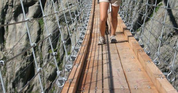 Trift Bridge, Triftsee lake, Gadmen, Trift Glacier, Swiss Alps, Switzerland