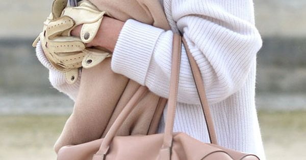 Blush scarf + bag / oversized sweater neutrals fall winter cozy