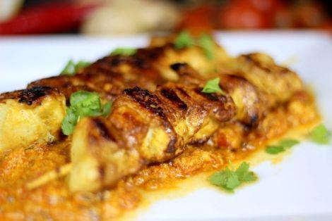 Kurczak Tikka Masala Danie Brytyjskie Oparte Na Tradycji Kulinarnej Indii Przepis Na Soczystego Aromatycznego I Pachnacego Przypr Tikka Masala Tikka Masala