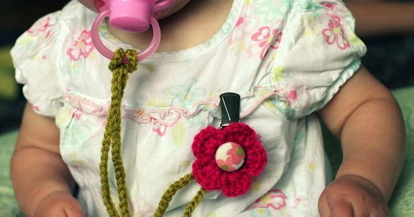 a bit of sunshine: crocheted binky clip (my new baby shower gift