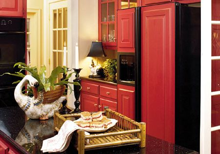 red, red kitchen.. Color combo