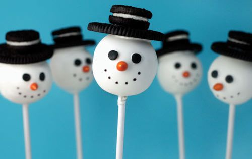 Snowman cake pops with Oreo hats! - Christmas baking.