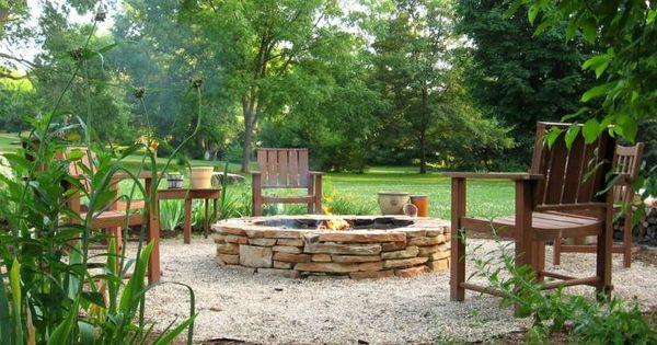 Foyer ext rieur rond pierre mobilier bois sol for Mobilier bois exterieur