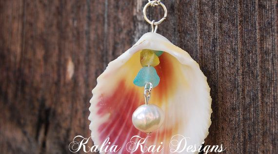 Sea glass and pearl dangle necklace in a beautiful colored shell, scallop