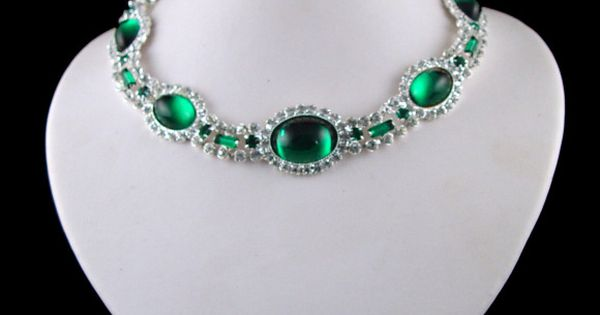 Princess diana emerald choker fashion jewelry for Princess diana jewelry box