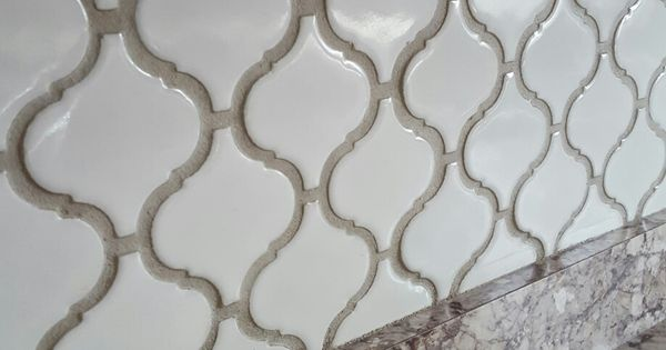 Best Arabesque Lantern Tile With Oyster Gray Grout Home 400 x 300