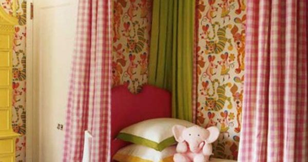 Cheery girl's room - lots of volume in the soft treatments -