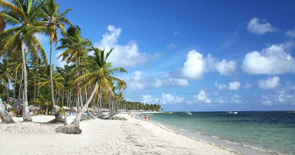 Jamaica: The dazzling white sandy beaches, lush palms and delicious food are