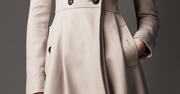 Trench Coat my life - Burberry's Fur Collar Full Skirt Coat in