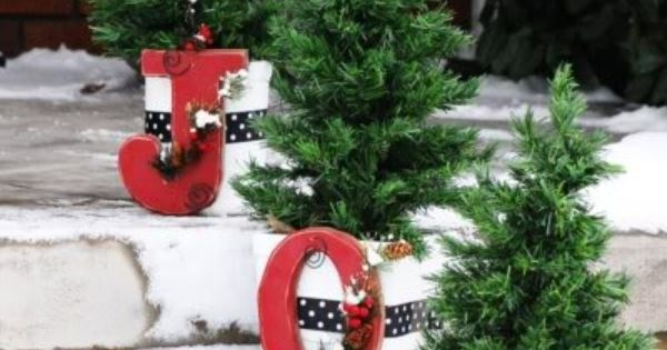 christmas decor front porch steps