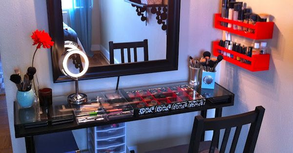 Creative DIY Makeup Vanity Ideas - http://serasquilts.com/creative-diy-makeup-vanity-ideas/ : FurnitureIdeas DIY makeup vanity