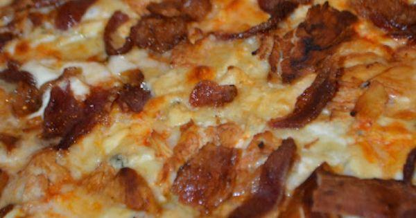 Buffalo Chicken Jalapeno Popper Cream Cheese Pizza.. OMG!