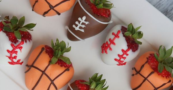 Sports Dipped Strawberries | Dipped Strawberries, Strawberries and How ...