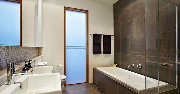 Revestimiento de paredes de ba o con azulejos ba o - Revestimientos paredes banos ...