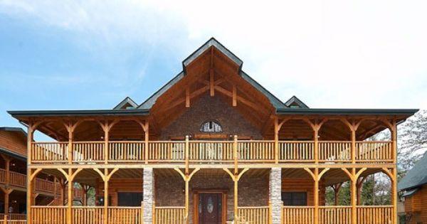 Large group cabin in gatlinburg pine tree lodge for for Large group cabins in gatlinburg tn