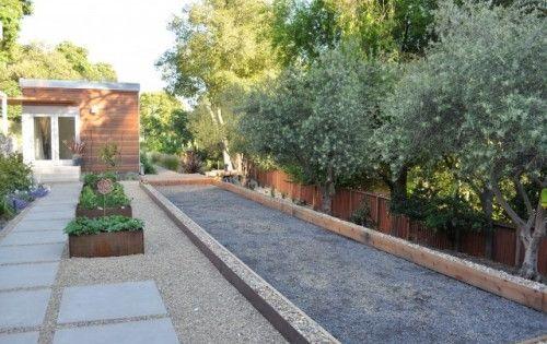 Terrain de p tanque jardin pinterest jardins for Terrain de petanque dans son jardin