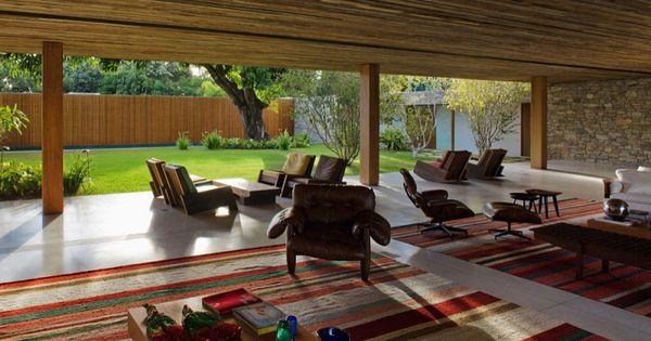Indoors/Outdoors - Bahia House by Marcio Kogan (16)
