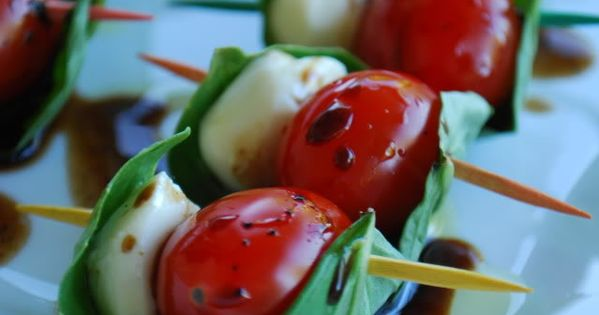 Appetizers ~ Tomato Basil Mozarella Bites: *20 Grape or Cherry Tomatoes *20