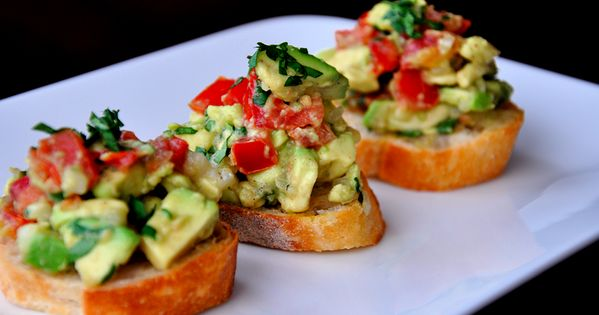 Guacamole Bruschetta Posted by Kelly / 33 comments » / appetizers, healthy