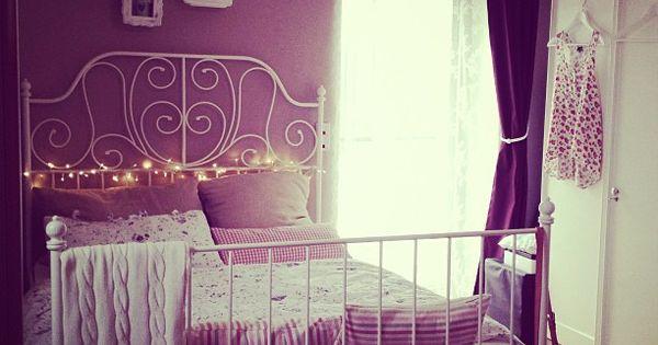 dark pink walls with cast iron ikea bed k che wohnzimmer bad ect pinterest. Black Bedroom Furniture Sets. Home Design Ideas