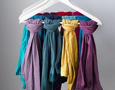 comment ranger ses foulards et charpes comment tenue et oder. Black Bedroom Furniture Sets. Home Design Ideas