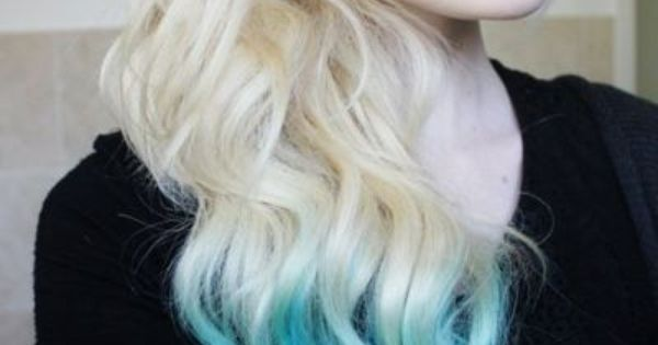 Love dip dyed blonde. I want to dip dye my hair!
