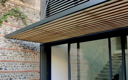 d tail brise soleil marquise pinterest votre maison ext rieur et am nagement terrasse. Black Bedroom Furniture Sets. Home Design Ideas