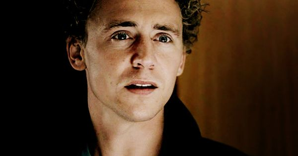D2: fave tom picture (again). oh he's a god isnt he??