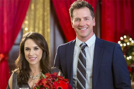 Hallmark Channel S A Wish For Christmas Starring Lacey Chabert Paul Greene Hallmark Christmas Movies Family Christmas Movies Christmas Movies On Tv