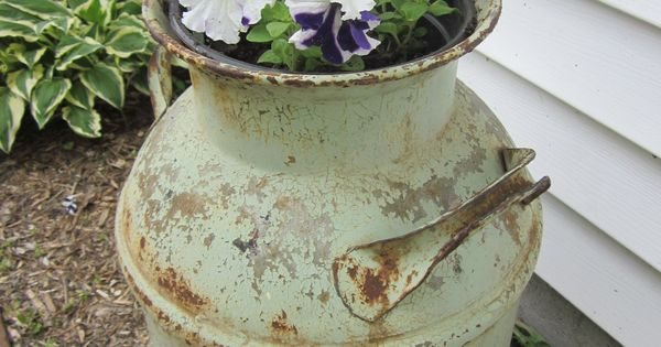Old milk churn my favorite things pinterest wagon for Things to do with old wagon wheels