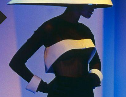 Thierry mugler f w 1996 les colonnes fashion for A travers le miroir thierry mugler