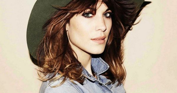 Chambray shirt + floppy hat + Alexa Chung's cheekbones...