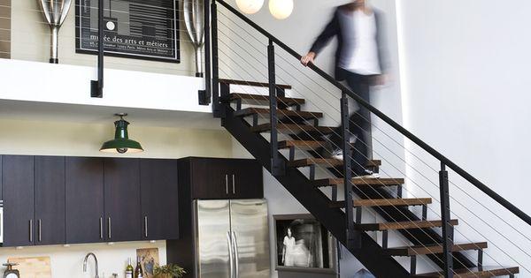 Escalera y lampara colgante loft tapancos for Loft modernos exterior