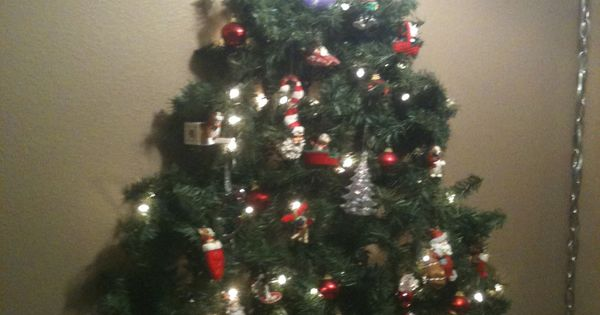 Kid Friendly Christmas Tree On The Wall