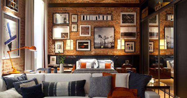 Studio Loft - art walls