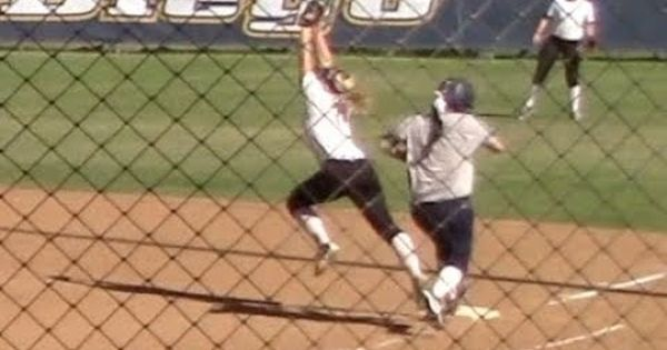 College Softball Double Play Stretch Out At 1st Base Palomar Comets Vs Double Play Softball Palomar