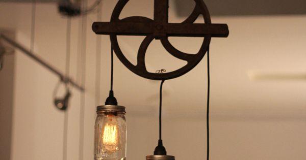 vieille poulie transform e en luminaire deco pinterest anse luminaires et vieux. Black Bedroom Furniture Sets. Home Design Ideas