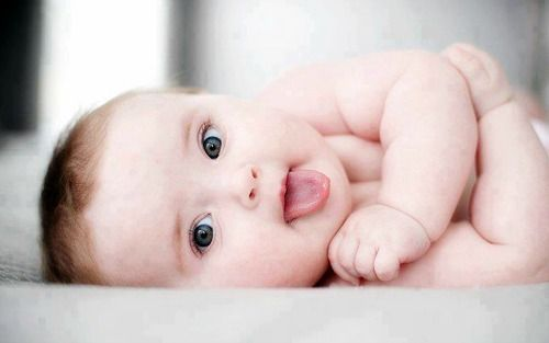 8 Flirty Babies Trying To Score With Corny Pick Up Lines Cute Baby Wallpaper Baby Wallpaper Hd Baby Boy Pictures