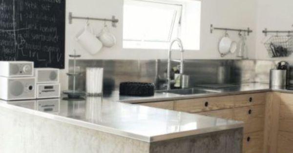 Robuuste betonnen keuken concrete kitchen fonq beton pinterest rvs keuken en hout - Keuken geesten campagne ...