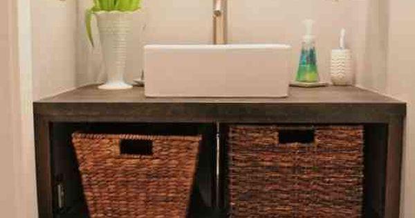 meuble salle de bains pas cher 30 projets diy panier de stockage bois vieilli et meuble vasque. Black Bedroom Furniture Sets. Home Design Ideas