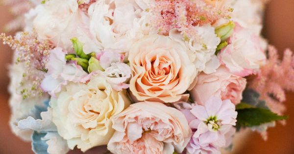 25 stunning wedding Bouquets - Part 13 - Belle the Magazine .
