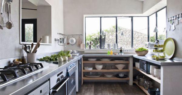 Hameau familial sur l 39 ile de r maison couleurs for Agencement cuisine ile de re