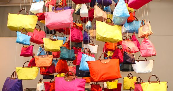 longch celebrates 20 years of le pliage in