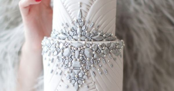 jeweled winter wedding cake greatgatsbywedding weddingcake