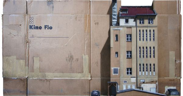 urban scenes spray painted on cardboard boxes (2)