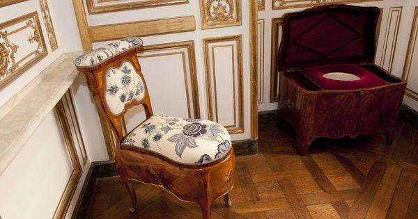 Garde robe la chaise perc e cabinet des d p ches les for Chaise percee