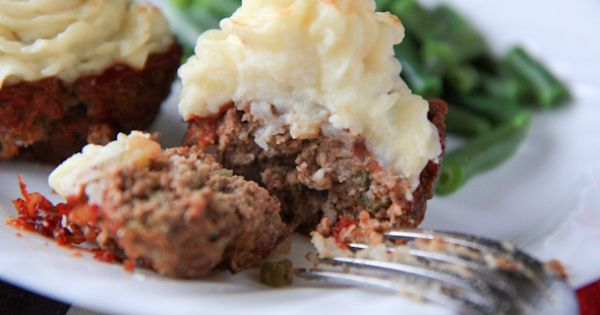 Mama's Meatloaf Cupcakes by backtoherroots: How cute is that! Meatloaf_Cupcakes backtoherroots