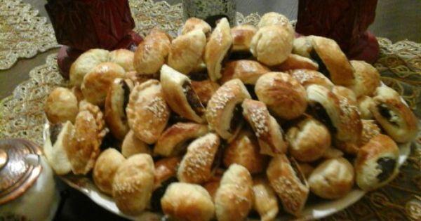 كليجة العيد Food Pretzel Bites Sweets