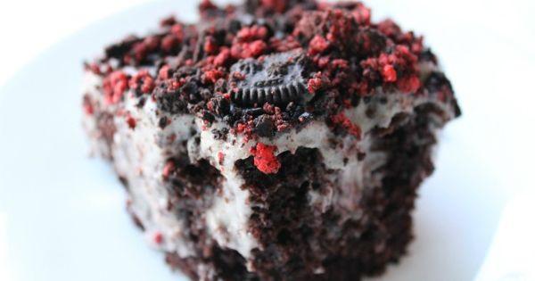 Oreo Pudding Poke Cake. Need I say more?